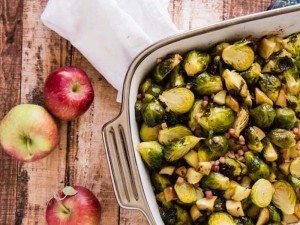 Brussels+Sprouts+with+Pancetta+and+Apples