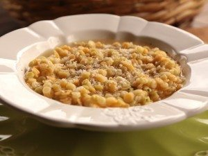 PASTINA-IN-BRODO-VEGETALE-PH.-G.-GIUSTOLISI