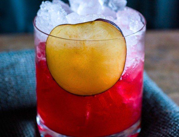 Plum-Bourbon-Cocktail-Treats-and-Eats