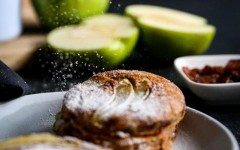 Spelt-apple-pie-pancakes