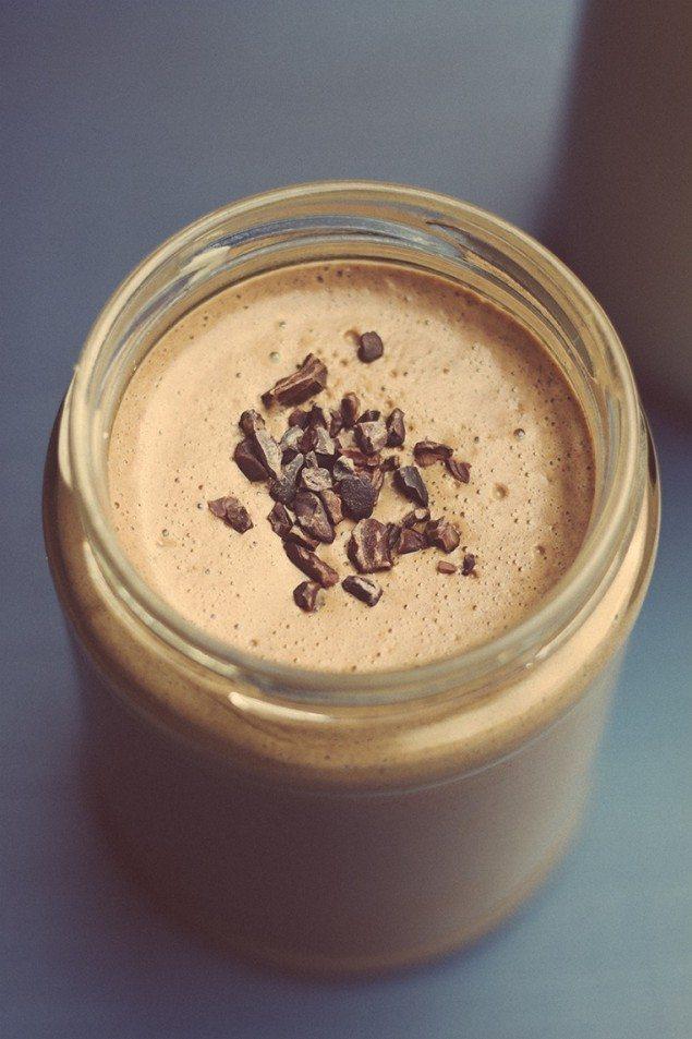 Vegan Chocolate Smoothie with Cinnamon