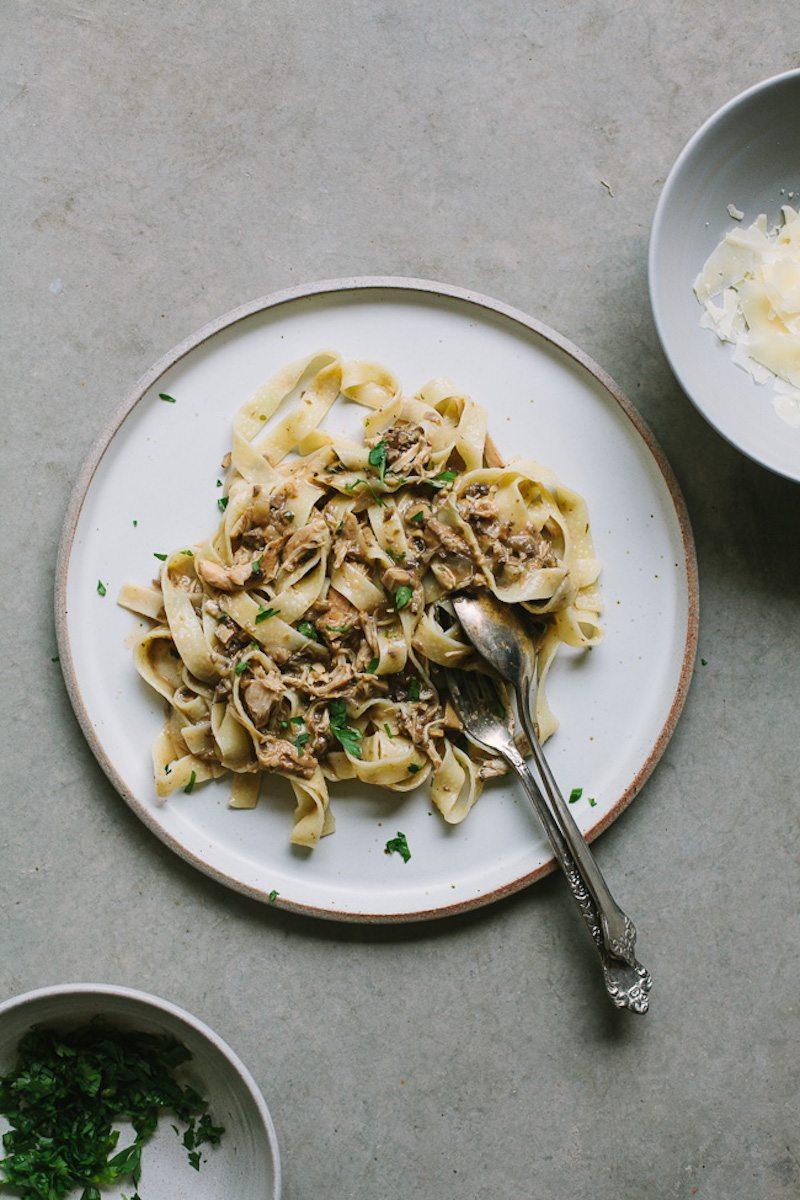slow-cooker-chicken-mushroom-pasta-11