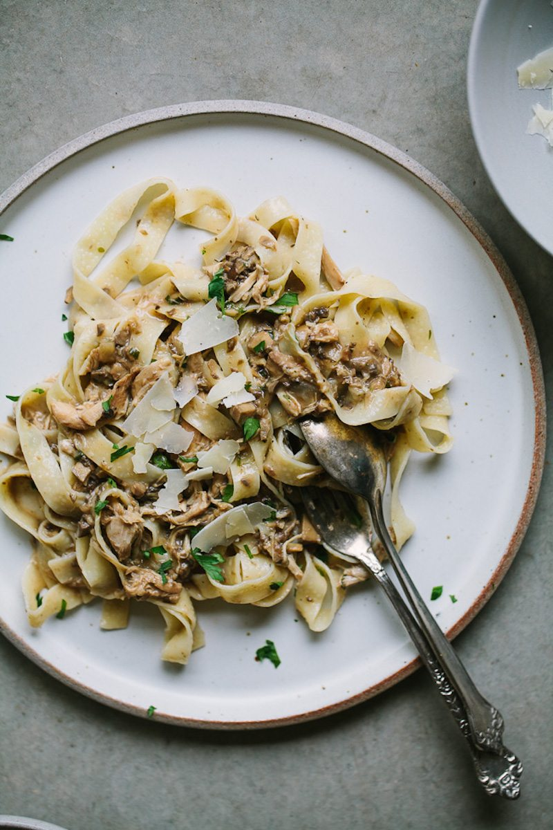 slow-cooker-chicken-mushroom-pasta-6