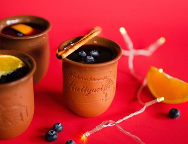 blueberry-mulled-wine-gluhwein-2-copy
