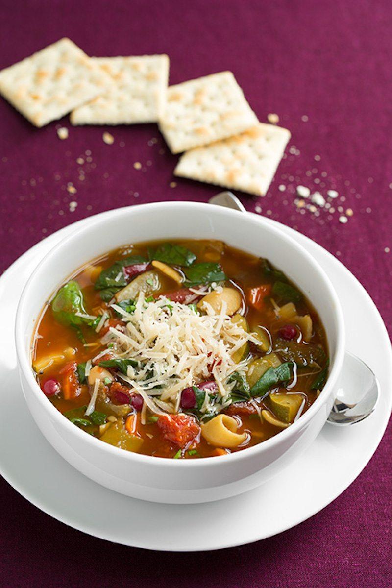 olive-garden-minestrone-soup7+srgb.