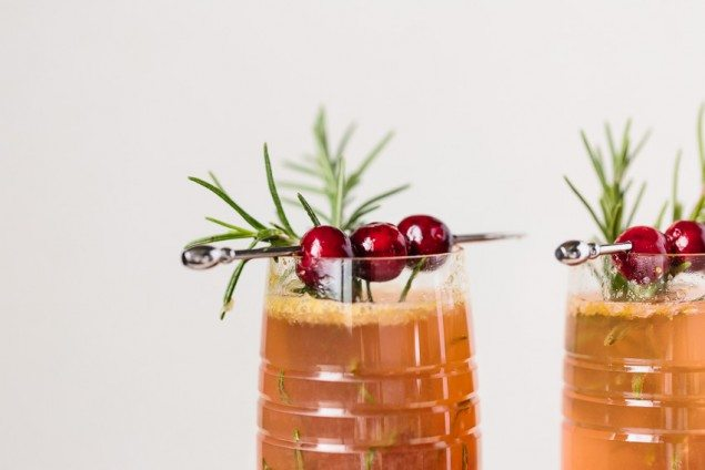 Sparkling Clementine Cranberry Cocktail