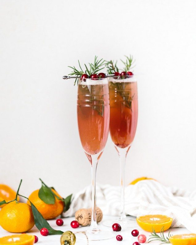 14 Easy New Year's Eve Appetizers & Drinks