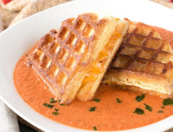 Cornbread-Grilled-Cheese-Waffle-Tomato-Basil-Soup-Photograph-620x903