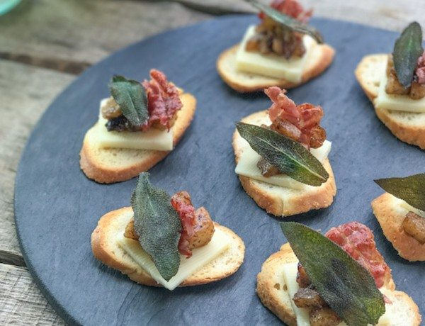 Crostini-with-Apples-Prosciutto-Sage-2