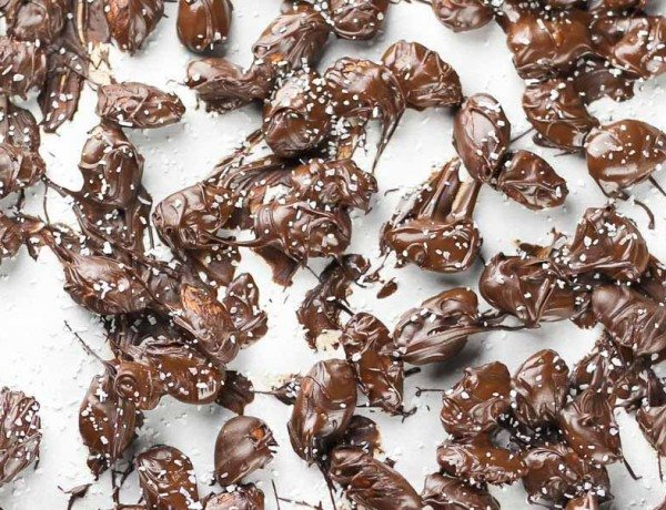 Dark-Chocolate-Covered-Almonds-Recipe-and-How-To-Make-it-different-ways._-4
