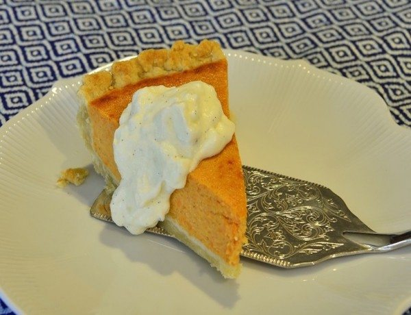 Slice-Sweet-Potato-pie