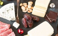 Very-Merry-Christmas-Cheese-Board-Photo-2