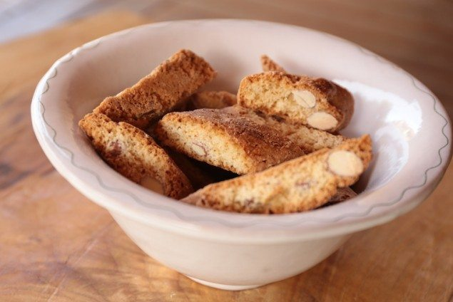 Tuscan Specialties: Cantucci Biscotti and Vin Santo