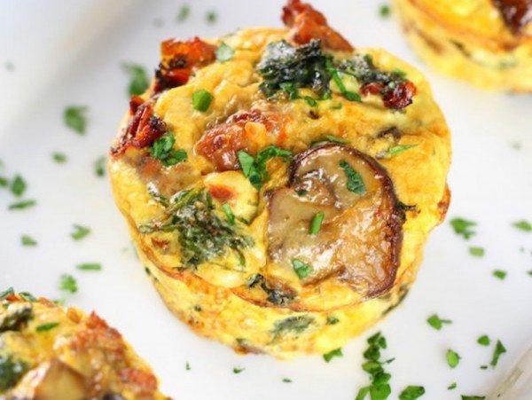 Healthy-Kale-Egg-Breakfast-Cups-OTish-cup-600x600