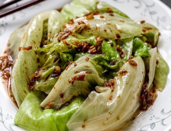 Lettuce-Garlic-Oil
