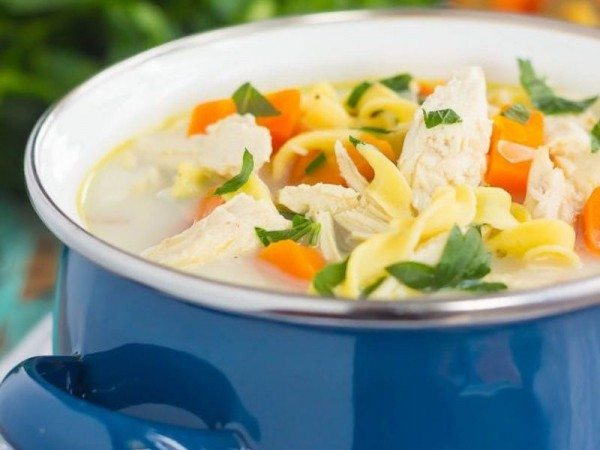 slow-cooker-lightened-up-creamy-chicken-noodle-soup-3-610x915