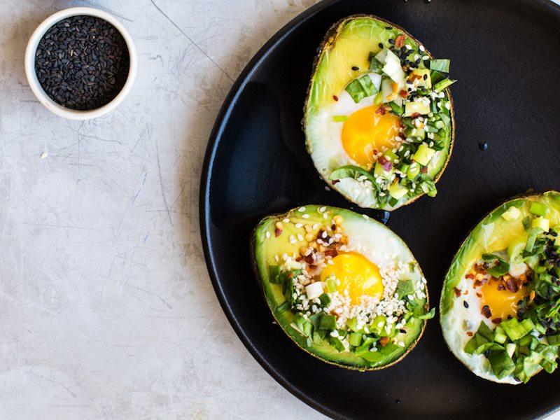 Avocado-Egg-Boats_www.8thandlake.com-FEATURED
