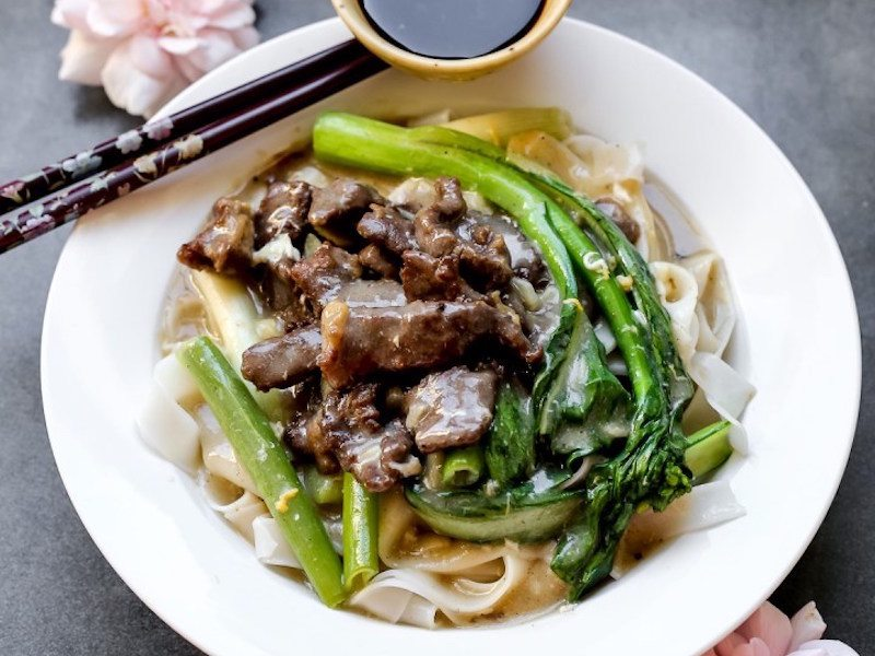 Fried Beef Hor Fun With Gravy