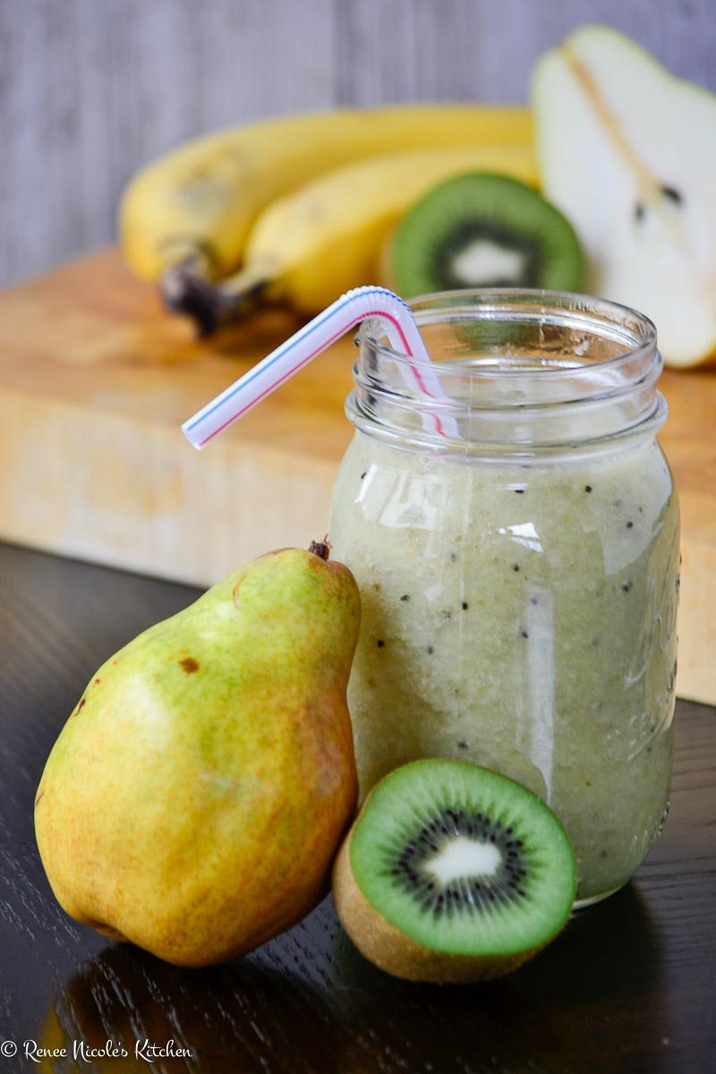 Kiwi-Pear-Green-Smoothie-Image-3