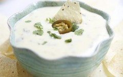 Slow-cooker-queso-blanco-dip-recipe-635x889