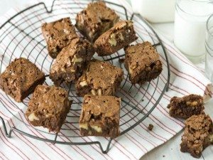 katherine-hepburns-brownies_web-670x405