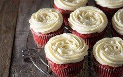 red-velvet-cupcakes-retouch-2
