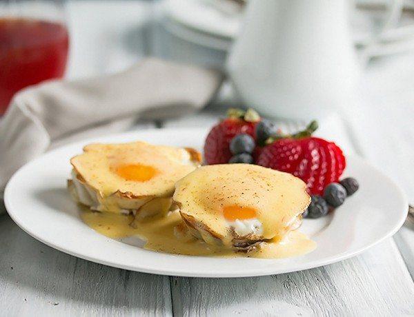 Eggs-Benedict-Recipe-4
