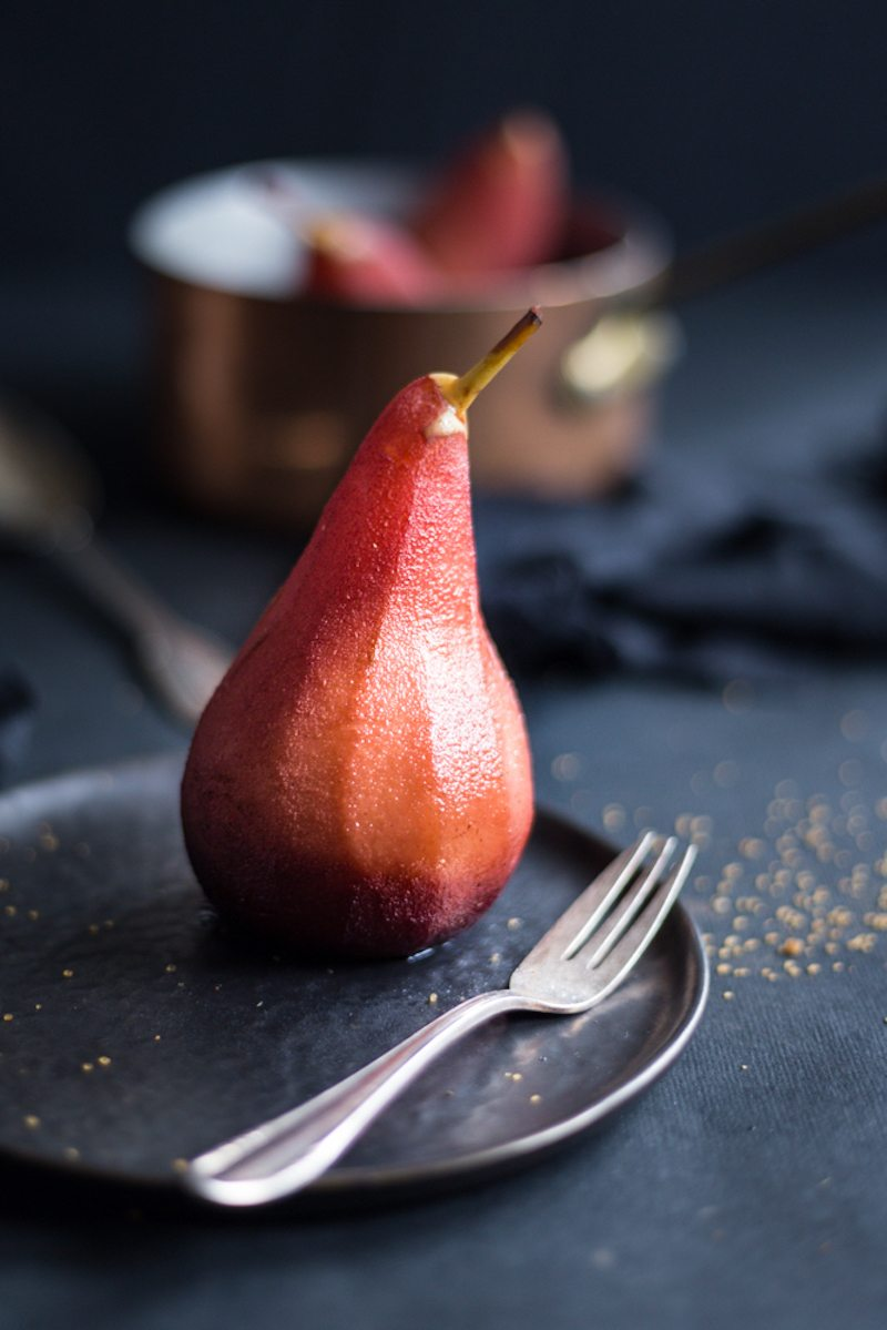 Poached_pear_in_porto_wine_and_spices