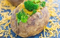 broccoli-cheddar-stuffed-baked-potatoes-4-768x512