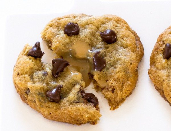 dulce-de-leche-chocolate-chip-cookies