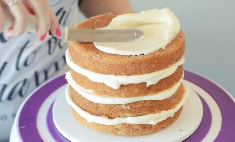 how to stack wedding cake layers how to stack and crumb coat a multi layered cake honest 16177
