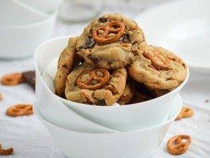 Double-Peanut-Butter-Stuffed-Pretzel-Chocolate-Chip-Cookies.-635x953