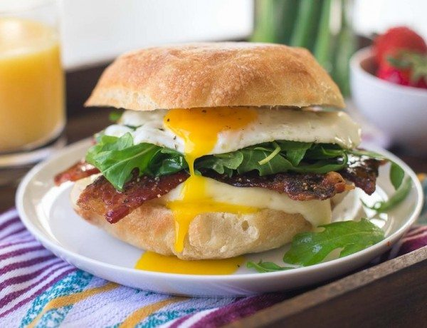 Egg-Brie-and-Arugula-Breakfast-Sandwich-8