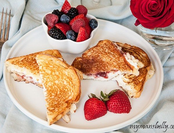 Strawberry-Ricotta-Toasties2-url