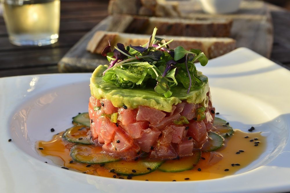 Acqua California Bistro S Yellowfin Tuna Tartare Honest