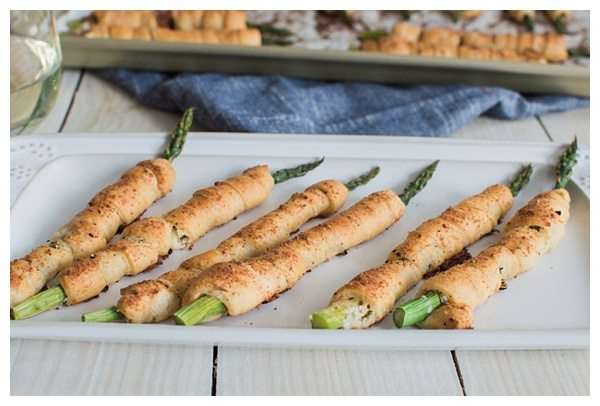 National Pinot Grigio Day: Wrapped Asparagus Bundles