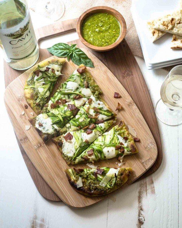 National Pinot Grigio Day: Pesto, Mozzarella and Asparagus Flatbread