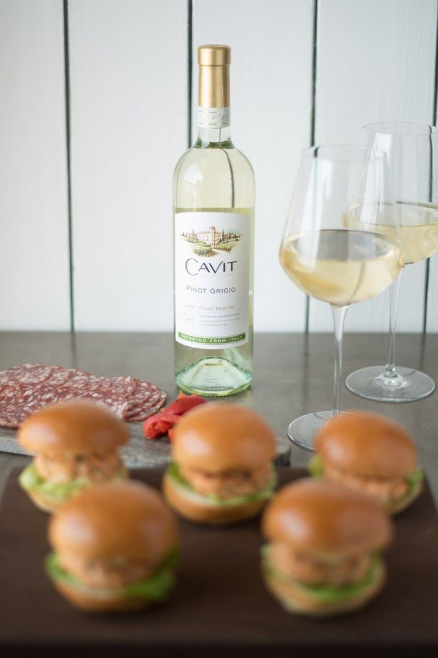 National Pinot Grigio Day: Salmon Sliders with Caper Lemon Aioli