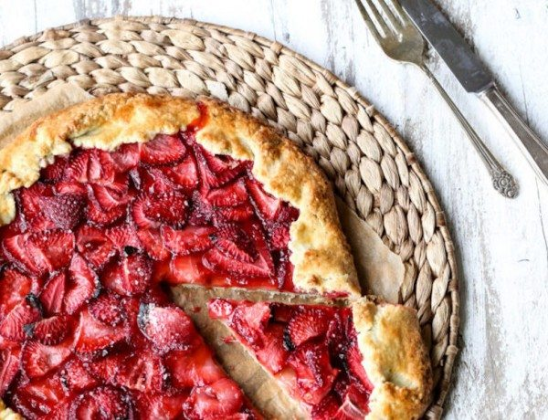 Strawberry-Galette-2-683x1024