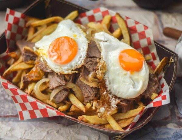 Traditional-Chilean-Chorrillana-Beef-Egg-Loaded-French-Fries-8