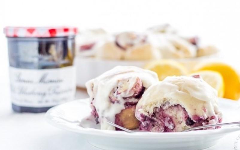 Wild-Blueberry-Lemon-Sweet-Rolls-6-635x423
