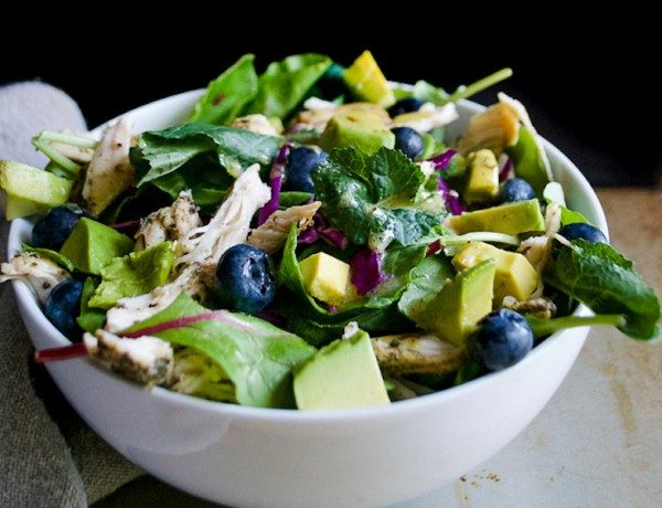 avocado-blueberry-salad-with-chicken-2