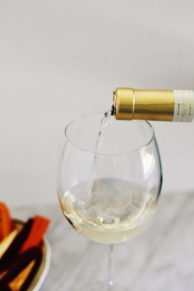 National Pinot Grigio Day: Za'atar Garlic Feta Dip