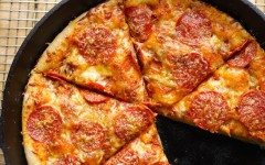 0-Cast-Iron-Pizza-Pepperoni-Overhead-Sliced