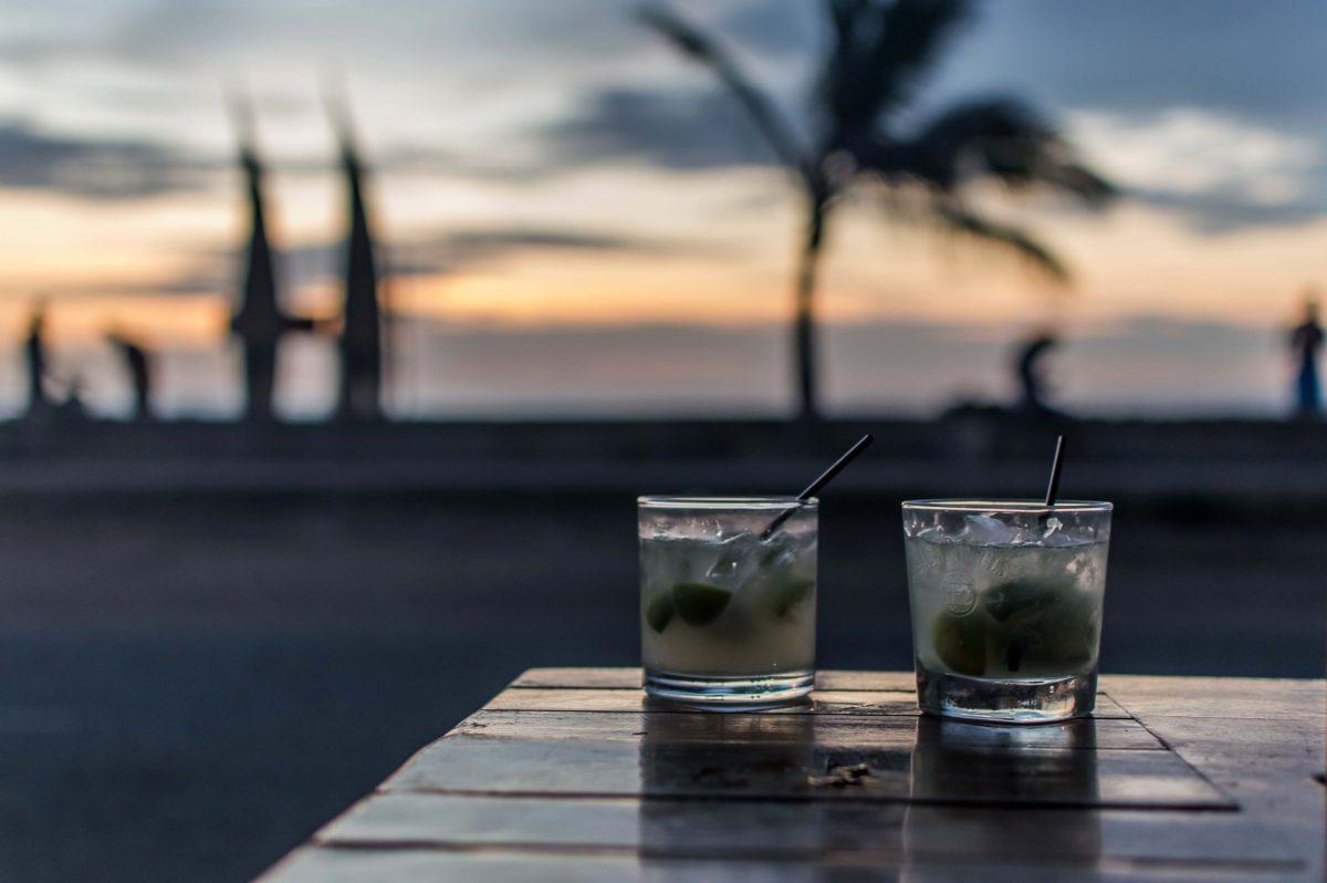 24-jungle-bar-bily-huanchaco-sunset-drinks-1200x798