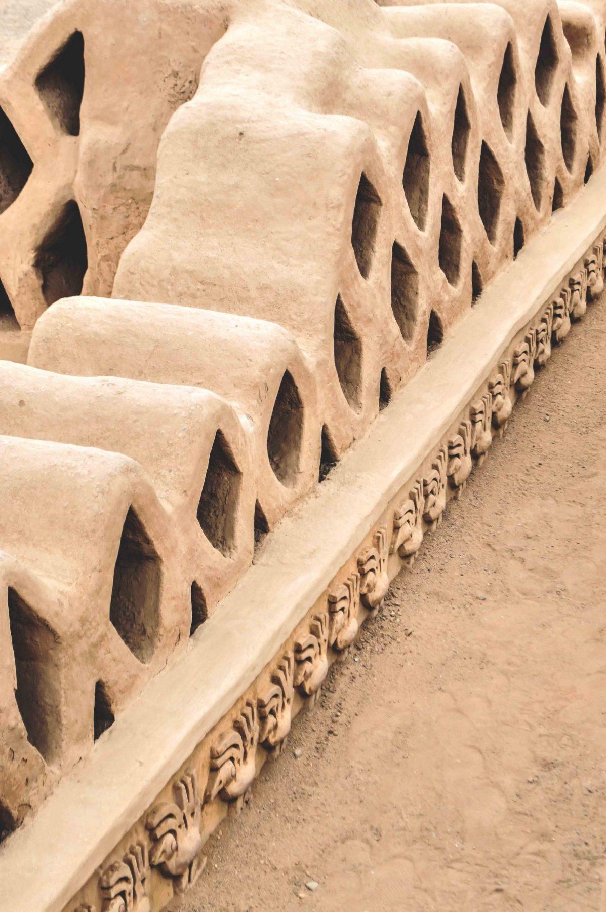 29-palacio-amurallado-nik-an-1200x1805