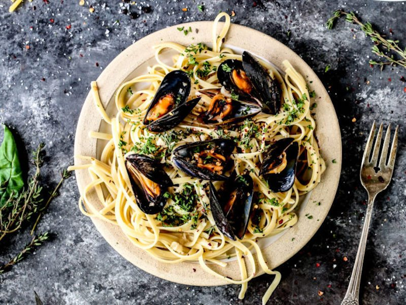Garlic and Herb Mussels in Rosé Broth