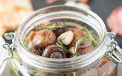 Herb-and-garlic-marinated-mushrooms-2