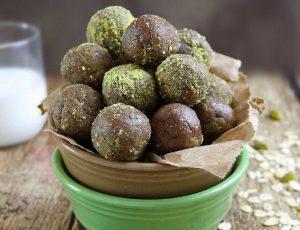 No-Bake-Pistachio-Chocolate-Bites