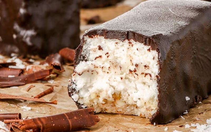 Raw-Vegan-Chocolate-Covered-Coconut-Bars_663px-3